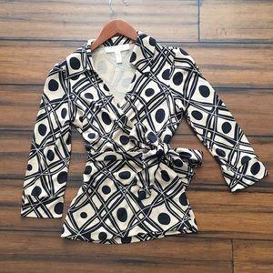 Diane von Furstenberg Jill wrap top blouse size 6